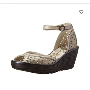 Fly London Ydel Perf Wedge Sandal Size 37